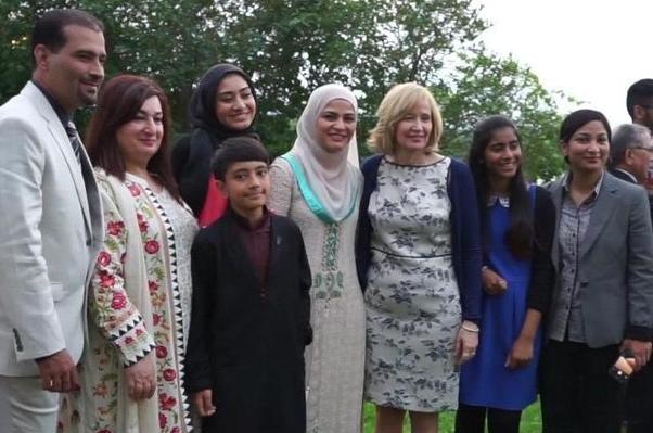 Madame Harper a accueilli les membres des communautés musulmanes pendant l'iftar.