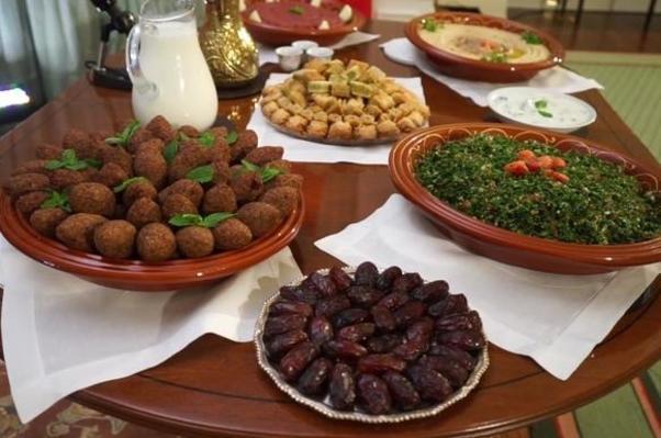 Le menu était de la cuisine du Moyen-orient.