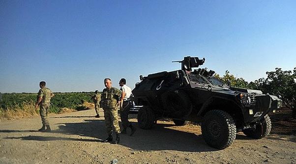 Sınırdaki birlikler güvenli bölgeye çekildi.