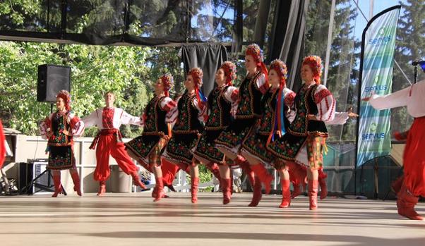 Danses folkloriques...