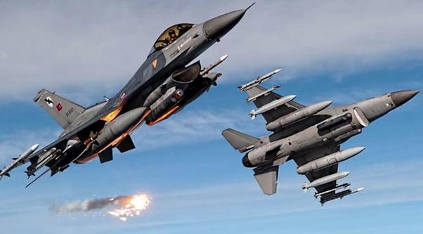F16'lar sınırda.