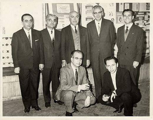 Çekirdek kadro: Ayakta soldan sağa: G. Samanoglu, M. Çınarlı, M. F. Ozansoy, İ. Geçer, M. N. Karaer. Önde solda: N. Yalçın