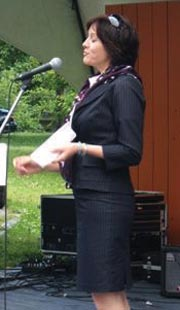 Mme Anne Laporte