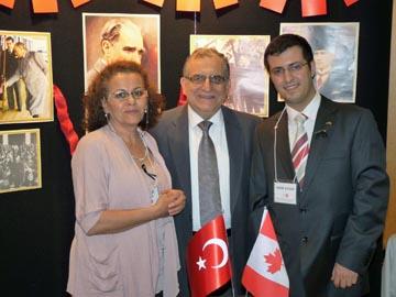 Şahende Peker ve Adem Aygün Büyükelçi Rafet Akgünay ile birlikte.